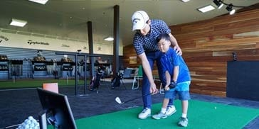 Victoria-Park-golf-Complex-Brisbane-half-hour-golf-lessons-for-adults-and-juniors